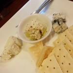 oro - 料理写真:本日のおすすめチーズ盛り☆