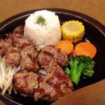イクスピアリ・キッチン ロッキーズ - リブフィンガーステーキ(1180円)