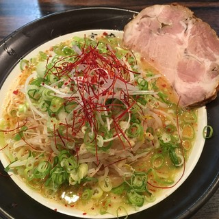 一喜蔵 - 料理写真:濃厚コッテリラーメン ¥750-