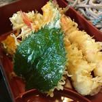 そば処 寿々喜 - 海老が2本も入ってる〜♡(2016.9)