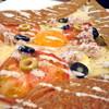ガレット - 料理写真:ニース風ガレット。今回初めて見かけたのでオーダーしてみました。トッピングはトマト・ツナ・オリーブ・チーズ・卵。オリーブ好きの私には嬉しいメニューでした!