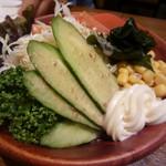 鳥げん - 生野菜。500円ですよ。 食べる!➡
