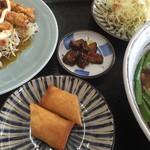 台湾料理 隆福 - 料理写真:揚げ物、漬物、野菜