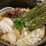 ダイセン酒場 - あご出汁鶏そば750円。