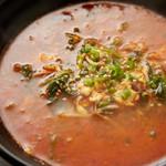 焼肉とワイン 李苑 - 辛いスープも大定番