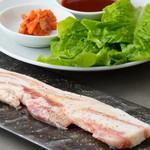 焼肉とワイン 李苑 - 国産豚ならではの美味しさ!