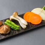 焼肉とワイン 李苑 - 様々なお野菜を