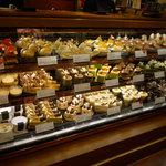 グラマシーニューヨーク - とにかくケーキの種類がたくさんあります☆