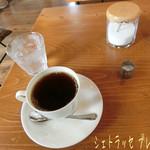 56115588 - 珈琲は無難にシェトラッセ ブレンド(410円)♪                 シェトラッセ ブレンドは中深煎りで良い香り(*´艸`) 酸味少なくて飲みやすく、バランスよい美味しさ♪
