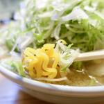 56129456 - 黄色麺