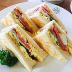 ボンポアンカルダン - ランチのミックスサンドイッチ