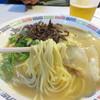 花山 - 料理写真:ラーメン! 大将が「無添加ですよー」とか「味の素とか入ってなかですけん」とか何とか言いながら 出してくれます。