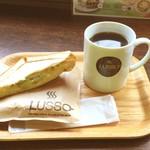 LUSSO - ブレンドコーヒー(L) ¥417 ホットサンド(キャベツベーコン) ¥400
