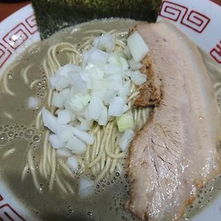 麺や 而今 - 料理写真:濃厚中華ソバ800円とことん煮干しを煮出したスープはマニアックなラーメンの原形