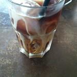 56179744 - クレームブリュレのセットで頼めるアイスコーヒーです(¥300)