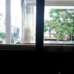 56179796 - 座った席からの店内写真です!テラス席が見えますかね?