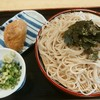 七味 - 料理写真:ざるそば(大)700円(税込み)、いなり寿司150円(税込み)