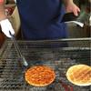 手焼堂 - 料理写真:おばちゃんがフレンドリー