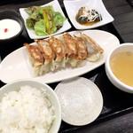 ギョウザ オウショウ - にんにくゼロ餃子ランチセット(580円)