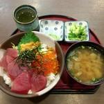 一力 - 三色丼¥1,100