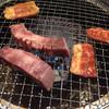 焼肉きんぐ - 料理写真:網の上