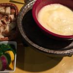 アトリエ・ド・フロマージュ - 熟成チーズのフォンデュ(¥100増し)。温野菜追加¥300