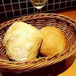 56239143 - お通しのパン(麦芽とライ麦)(お昼は無料)