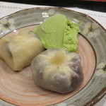 ぎょうざ工房 - デザート餃子:チョコバナナと小豆、抹茶アイス添え2