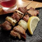 やきとりや平 - 料理写真:焼き鳥 カシラと豚バラ