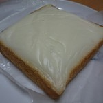 ベーカリーロミオ - 料理写真:クリームボックス(110円)