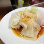 煮干しらーめん玉五郎 五代目 - 2016年7月 水餃子3個【180円】