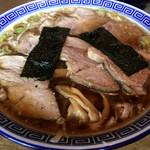 マル寛そばや - 肉中華そば(濃口あっさり)。鯖節と宗田節中心のマイルド魚介系で普通に美味い。「三種の煮干そば」に比べるとパンチは弱め