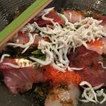 56369639 - 海鮮サラダは赤身、カンパチ、しらす、とびこ