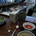 串匠 - 厨房。揚げ方をじっくり観察できる。