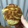 菓子工房 アンデス橋本 - 料理写真:見た目は普通のトラ焼き!  皮もパサパサっぽい。