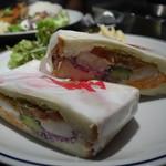 モジャ イン ザ ハウス - ☆肉厚なサンドイッチです(*^^)v☆