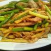 東海菜館 - 料理写真:ニンニクの芽と豚肉の炒め(2016年9月)