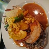 濃厚な海老のソースがたまらない『ブルターニュ産オマール海老のロースト』