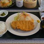 金立サービスエリア(上り線)レストラン - トンカツ定食