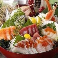 ◆ はなの舞 ・ 名物 ◆~漁師町の 【大漁・板盛り】~ ★常時:5点盛り★