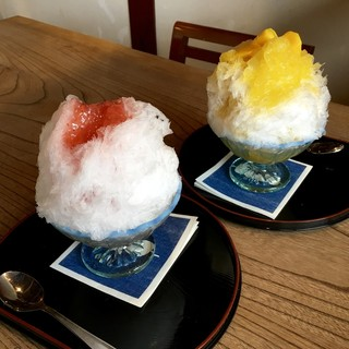 江口だんご本店 - 料理写真:「極みかき氷」マンゴーと越後姫苺