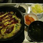 韓国家庭の味 いなか家 - チーズカルビ石焼ビビンバ