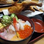 56483363 - 若鶏・海鮮丼