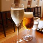 ル モンド グルマン - スパークリングワインとビールでかんぱい
