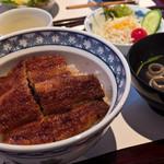 山道 - 料理写真:うなぎ丼、松