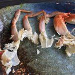 道の駅 みつ シーサイドレストラン 魚菜屋 - 料理写真:魚汁のカニをこの様に脚単位で胴体を分割して爪楊枝で胴体から身をほじくりだして魚汁に入れてね☆