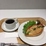 Bon Vivant sandwich - ベーコンエッグサンドモーニング