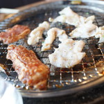 炭火焼肉一頭買い品質 森盛 - 焼くべし焼くべし!