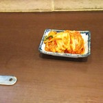 ホワイト餃子店 - 料理写真:キムチ 180円♪
