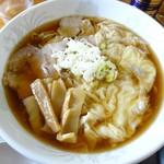 中華そば 七郎 - ワンタン麺800円